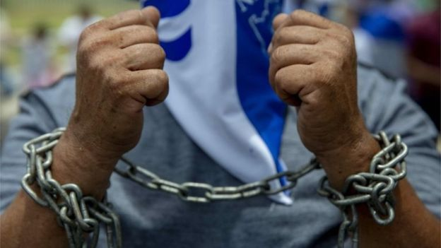 Nicaraguans demonstrate to demand the liberation of political prisoners