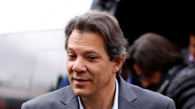 Fernando Haddad arrives at the Federal Police headquarters in Curitiba on 10 September